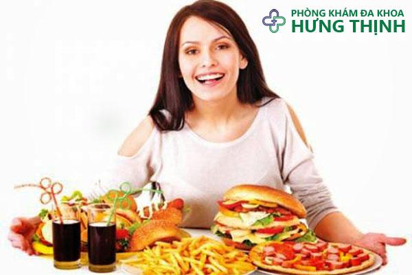 chế độ ăn uống không hợp lý - Ảnh minh họa