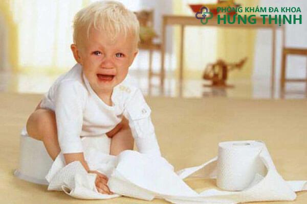 dấu hiệu bệnh trĩ ở trẻ nhỏ
