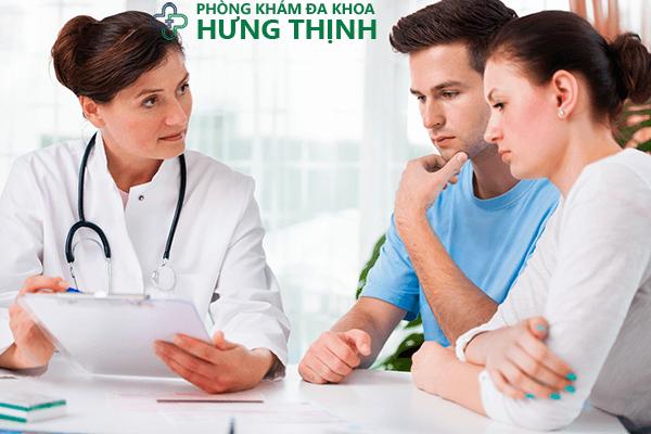 Bác sĩ tư vấn sức khỏe sinh sản